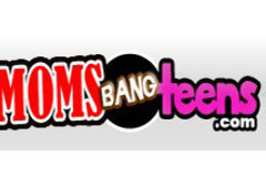 Media offerti da Moms Bang Teens